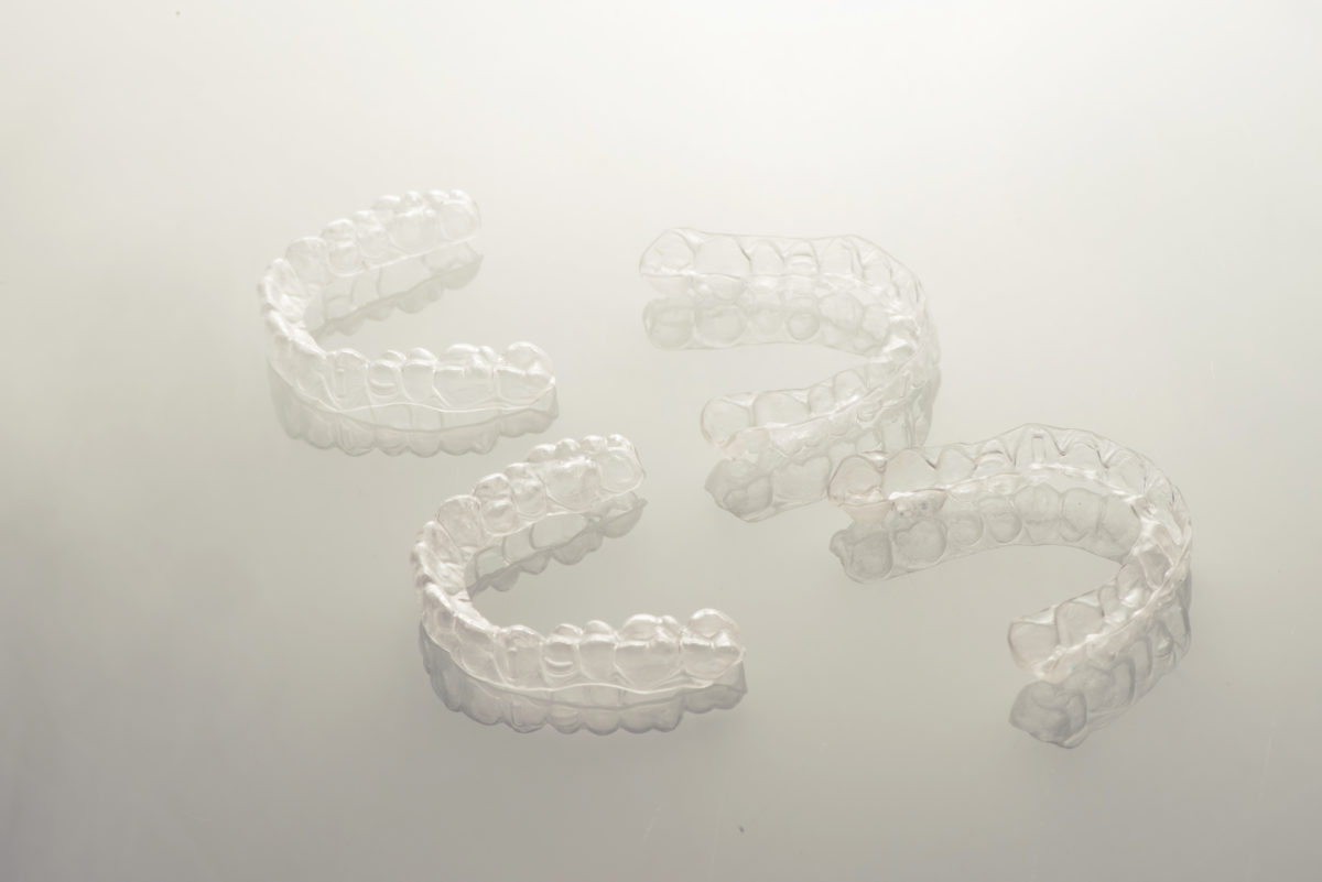 TREATMENT WITH INVISIBLE ALIGNERS (REMOVABLE)